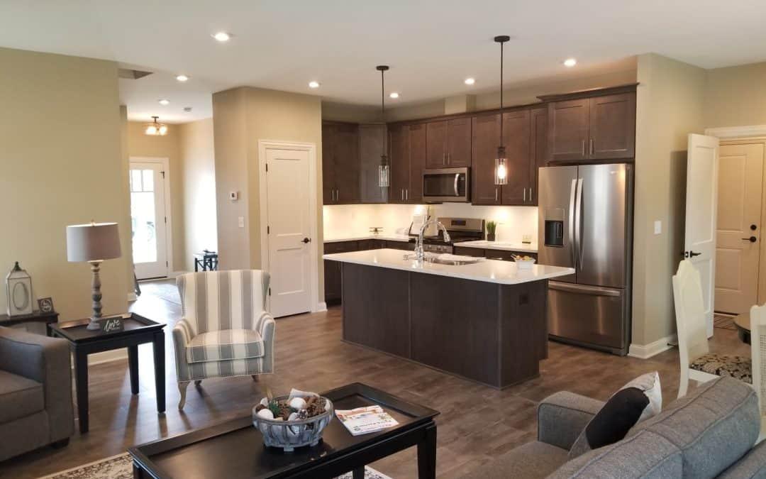 3 Neighborhoods, 5 New Spec Homes!